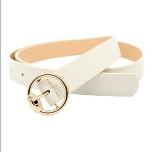Cream skinny belt